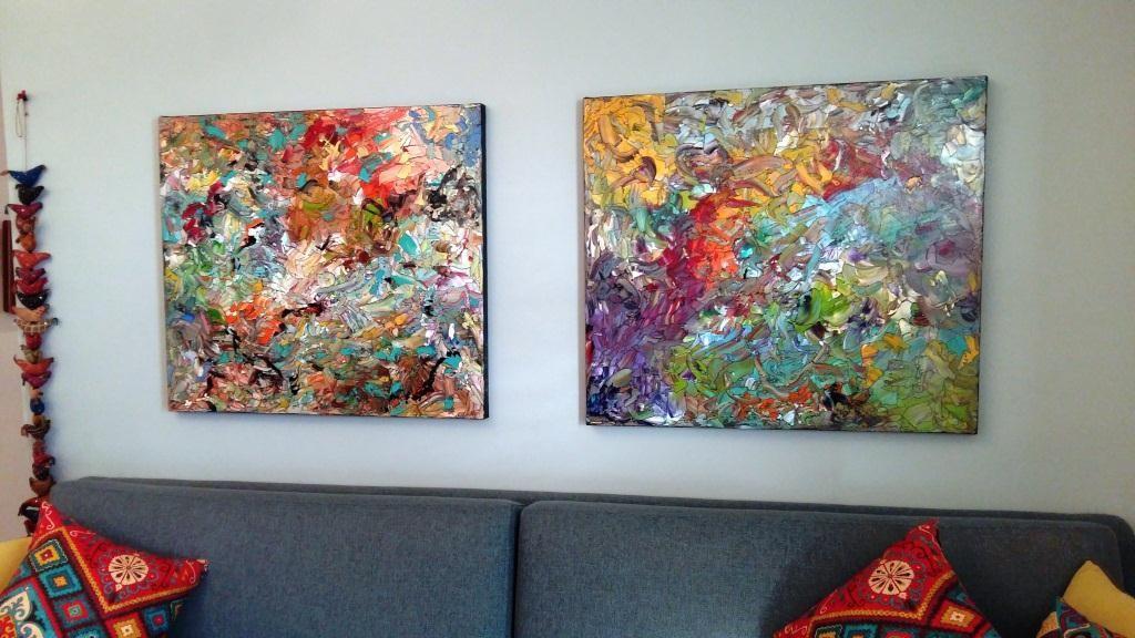 ציור צבעוני לסלון מודרני